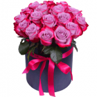 """Композиция """"Фиолетовые розы в шляпной коробке"""""""
